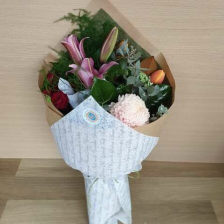Medium Seasonal mixed bouquet